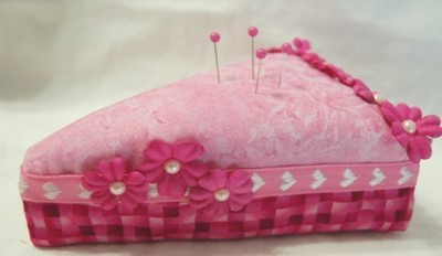 Pink_cake_slice_pin_cushion