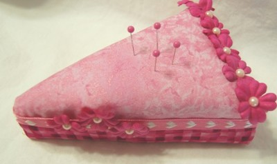 Second_look_at_pink_pin_cushion