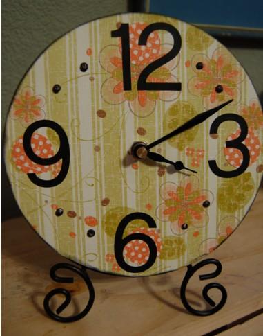 Circle scroll clock