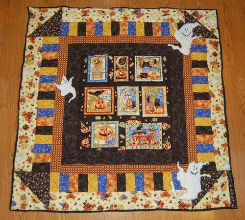 Halloween quilt with ghosts