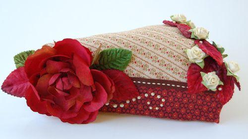 Jo Morton cake slice pin cushion SS July09